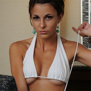 photos-salma-bashful-brittany-topless-pics