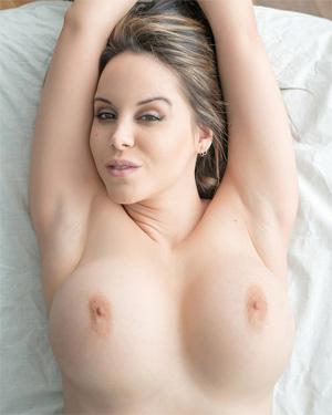 Bryci Nude Massage Blowjob Session