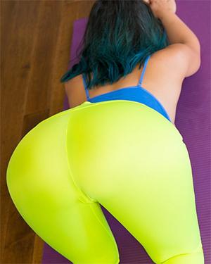 Bryci Sexy Yoga Class Booty