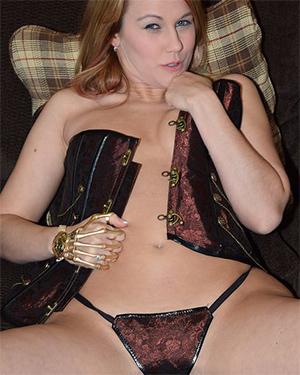 Callista Model Total Steampunk Slut