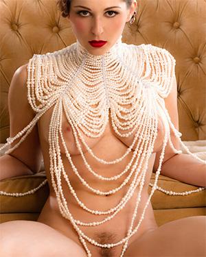Carlotta Champagne Vintage Vixen Zip Set