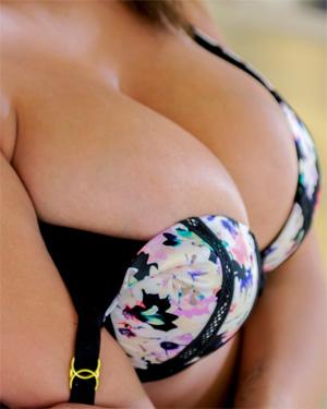 Cassidy Banks Swinger Girl