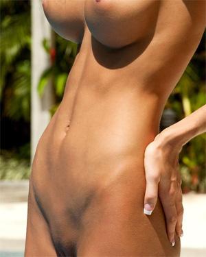 Eliza Carson Unique Body