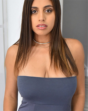 Ella Knox Hot Naked Latina