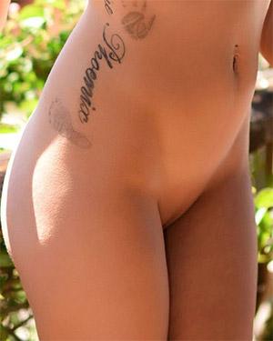 Emelia Paige Naked In The Garden Of Eden