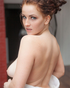 Emmy Sinclair Naked Shower Fun