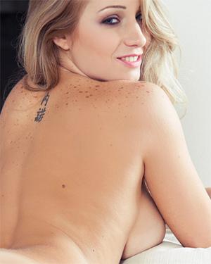 Erika Blooming Blonde Nudes
