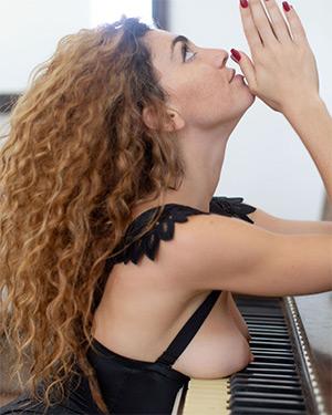 Gillian Barnes Piano Nudes
