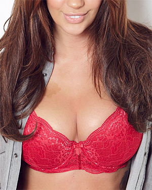 Holly Peers What a Rack