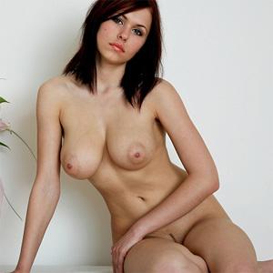 Nude gallery iga