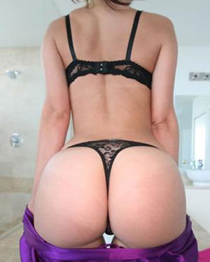 Jada Stevens Perfect Booty