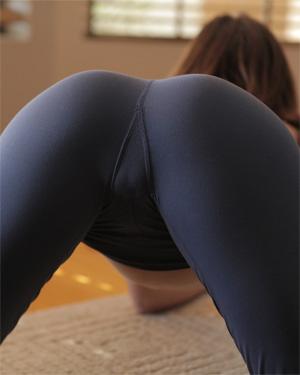 Jayden Taylors Hot Yoga Session