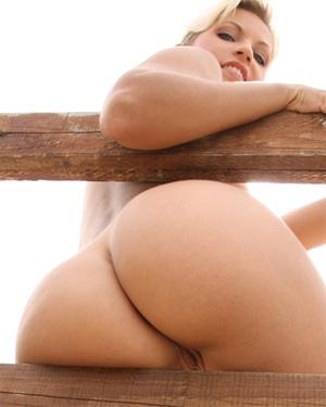 Jenni Gregg Bubble Butt