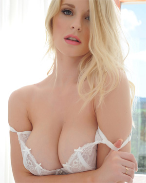 Jess Davies Sexy In Bed