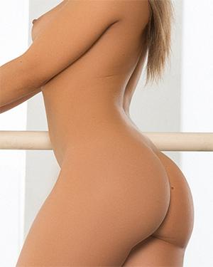 Jillisa Lynn Flexible Nude Gymnast
