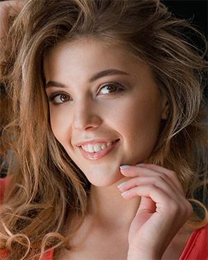 Kaitlin Girl Has a Cute Smile and Nice Body