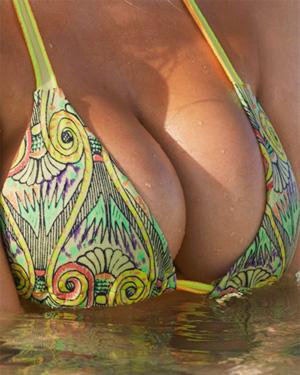 Kate Upton Swimsuit Pics