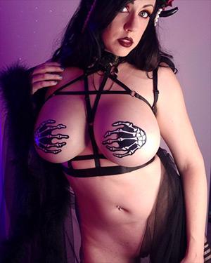 Kayla Kiss Busty Sex Demon