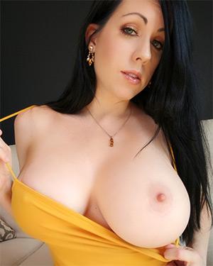 Kayla Kiss Tight Yellow Dress