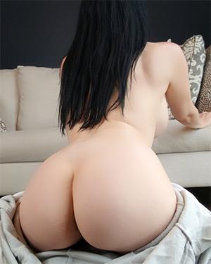 Kayla Kiss Sexy Pajama Candids
