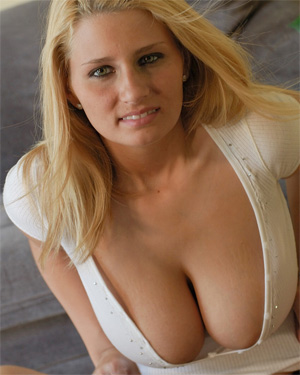 Kellie Extremely Busty Cutie