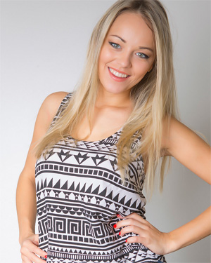 Kristina Blonde Beauty Cosmid