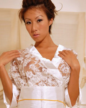 Kt So Lace White Asian Outfit
