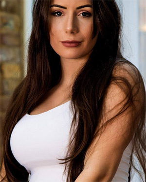 Laura Hollyman Skin Tight Glamour