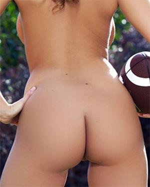 Leanna Decker Nude Referee