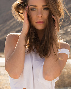 Lily Chey Side Of Highway Nudes