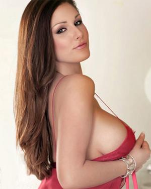 Lucy Pinder Busty British Star