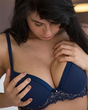 Lucy Li Does Some Self Pleasure