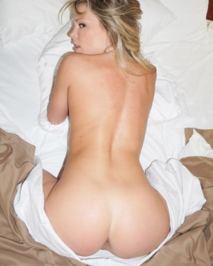 Meet Madden Naked In Bed
