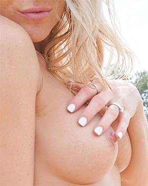Meet Madden Shoreside Tits