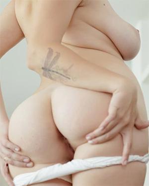Marina Visconti Hot and Curvy
