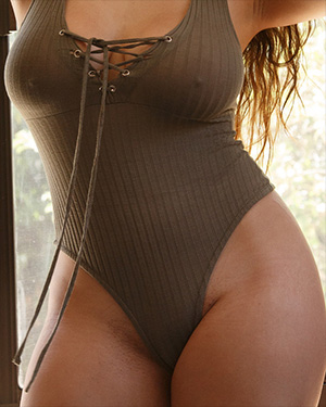 Mercedes Llano Body Positive Curves
