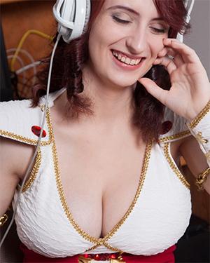 Moniqa Lefevre Busty Cosplay Model