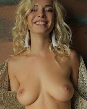 MonroQ Busty Blonde StasyQ