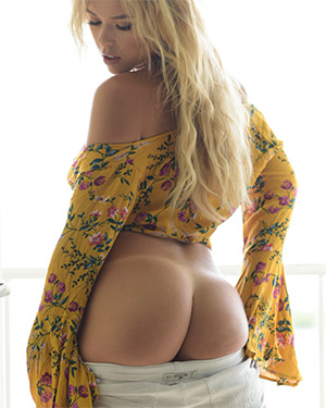 Neesy Rizzo Hippie Tanlines And Ass