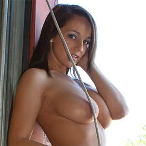 Nikki Sims Garage Nudes