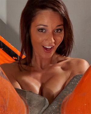Nikki Sims Sexy Construction