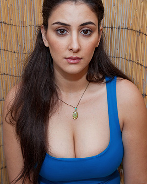 Norell Elnadav The Exotic Beauty With Big Boobs