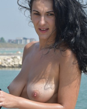 Olii Busty Beach Brunette Flaunt It