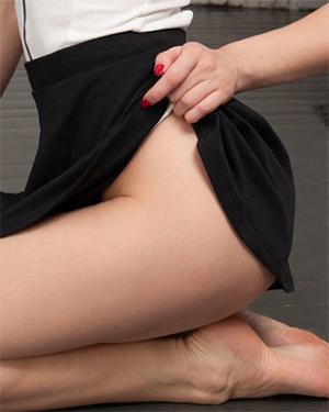 Patritcy Sexy Upskirt Model
