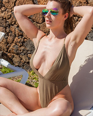 Rosa Always Nude Real Bikini Girls