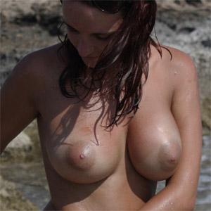 Samantha Beach Brunette
