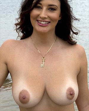 Scarlett Morgan Paddle Boarding Naked