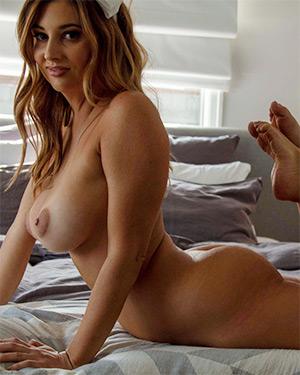 Scarlett Morgan Dreams Of Nudes