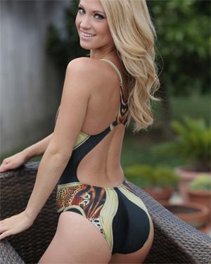Shanynn Tight Bikini Round Butt