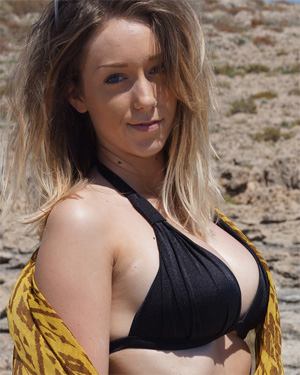 Sophie Top Notch Beach Boobs